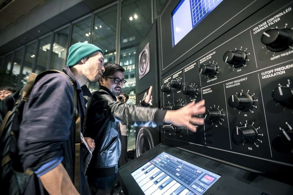 RED BULL MUSIC ACADEMY × RHIZOMATIKS 『THE HUMAN SIZED SYNTHESIZER』 @AMIT 2015